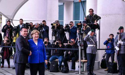 Заев на средба со Меркел: Северна Македонија и Договорот од Преспа се охрабрување за сите земји од Западен Балкан