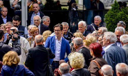 Пендаровски на средба со пензионерите: Патот кон ЕУ и НАТО ќе донесе подобар живот и за пензионерите и за младите