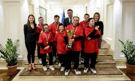 Средба на Заев со членовите на Dancers United: Ова што го правите е амбасадорски успех, горди сме со сите вас!