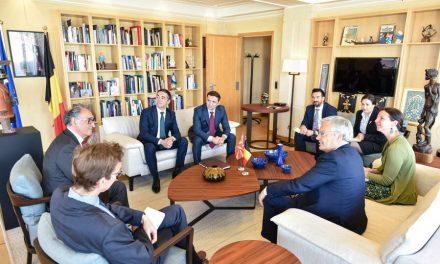 Димитров и Османи на средба со Рејндерс во Брисел: Преговорите со Северна Македонија ќе обезбедат продор на европската идеја на Балканот