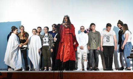 """Завршна манифестација на учениците од СОУ """"Ристе Ристески-Ричко"""" за проектот за меѓуетничка интеграција на младите во образованието"""