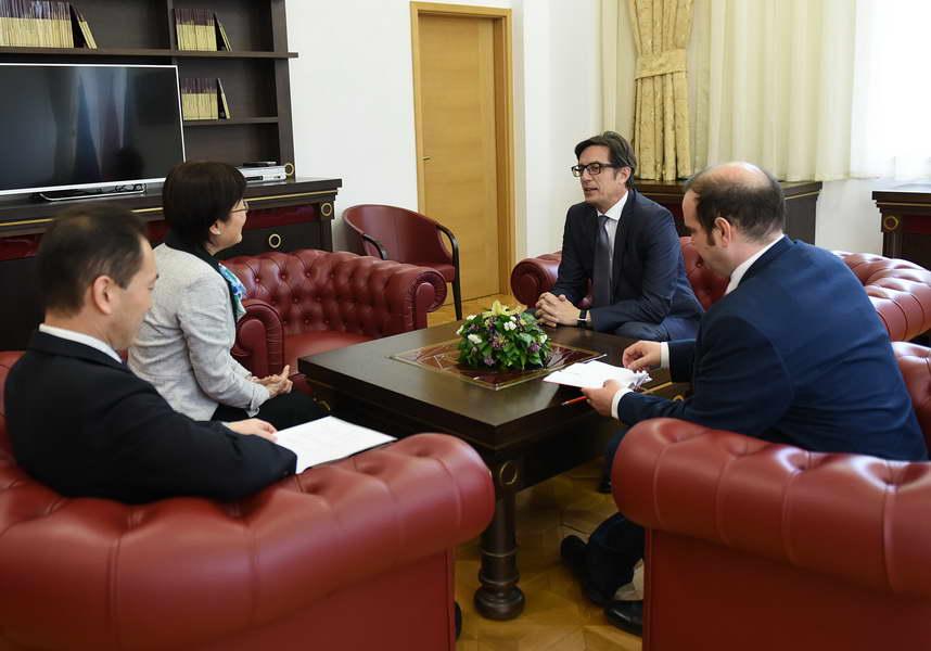 Средба на претседателот Пендаровски со амбасадорите на Јапонија и на Холандија