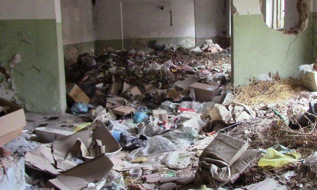 Исчистено ѓубрето од напуштениот објект во непосредна близина на прилепскиот Дневен центар за лица со церебрална парализа
