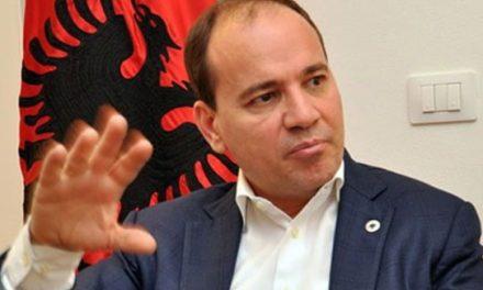 Нишани: Состојбата во Албанија e на критична точка
