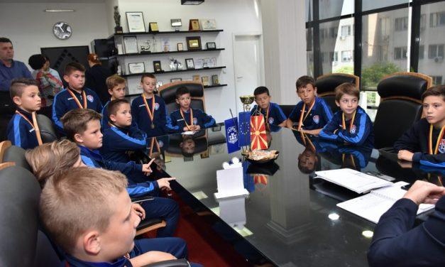 """Пионерите на ФК """"Прилеп"""" генерација 2009, шампиони на Македонија"""