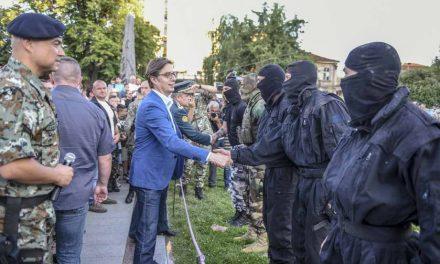 """Пендаровски во Битола присуствуваше на отворениот ден за граѓаните со учесниците на воената вежба """"Одлучен удар"""""""