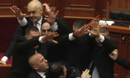 Албанија: секоја партија има сопствени криминалци?