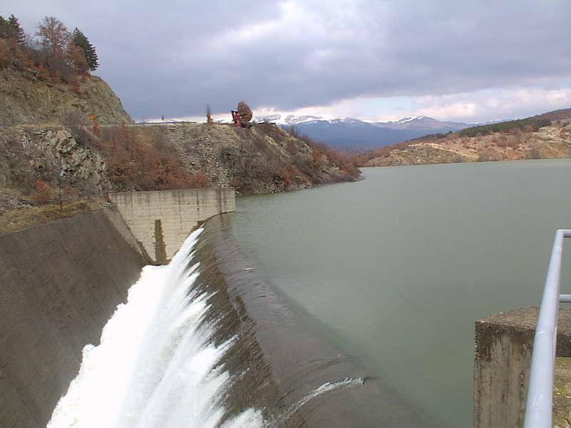 Хидроцентралите и рудниците да не се градат без да се прашаат граѓаните, бараат екологистите