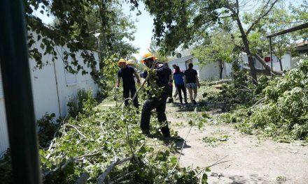 Министрите Спасовски и Димковски во посета на погодени населени места од невремето во Преспа