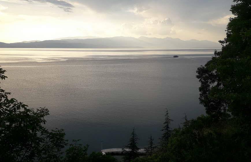 Ако се слуша УНЕСКО, најмалку една година ќе треба за препроектирање на пругата од Струга кон Албанија