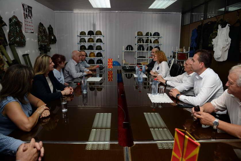 """Шекеринска: До Собранието е доставен предлог закон за покривање на повеќегодишните неисплатени придонеси за вработените во """"Еурокомпозит"""""""