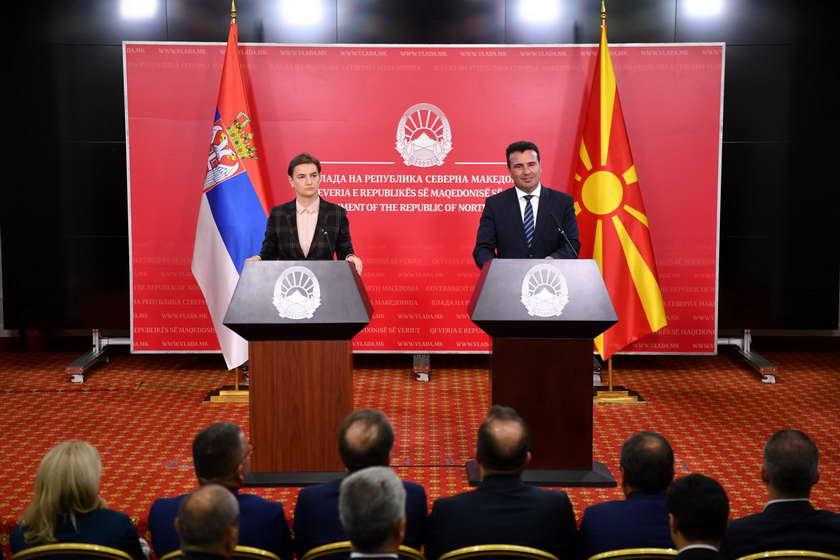 Заев и Брнабиќ: Наша трајна заложба е за сите прашања да водиме инклузивен дијалог во интерес на граѓаните на двете земји