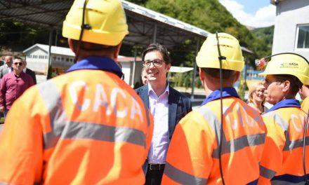 Претседателот Пендаровски на Денот на рударите во посета на Македонска Kаменица и рудникот Саса