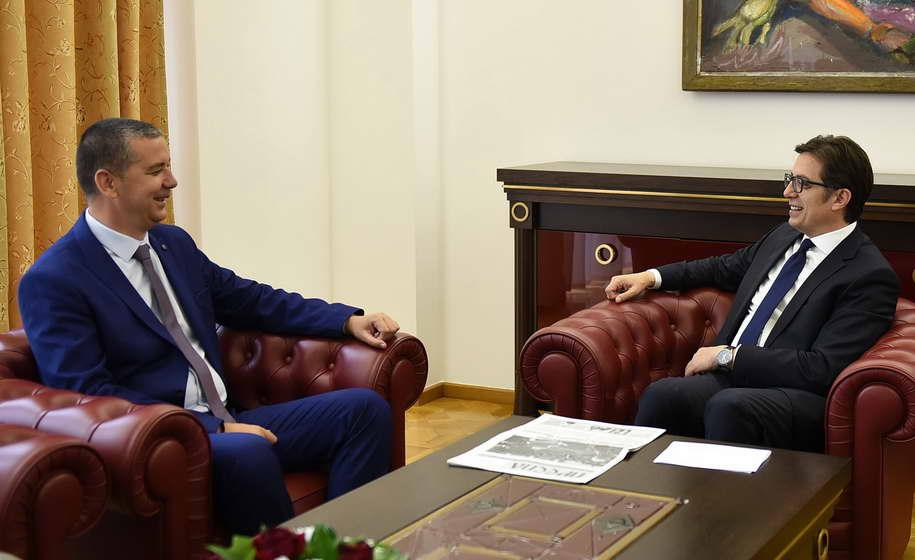 Претседателот Пендаровски се сретна со Васил Стерјовски, пратеник со македонско потекло во Собранието на Албанија