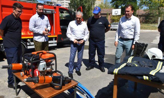Територијалната противпожарна единица од Прилеп доби ново возило за брзи интервенции