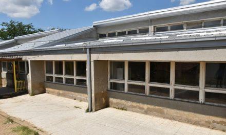 """Целосно реконструиран покривот на детската градинка """"Тризла"""""""