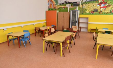 """Со реновирани училници и подобрени хигиенски услови, ООУ """"Кире Гаврилоски"""" ги отвора вратите за првиот училишен ден"""