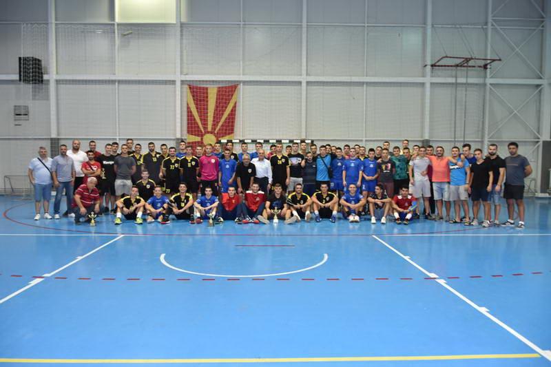"""Екипата на """"Металург 2"""" победник на меморијалниот ракометен турнир """"Миле Нешкоски"""""""