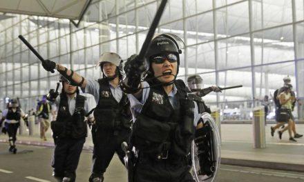 Немири во Хонгконг – Запад воздржан