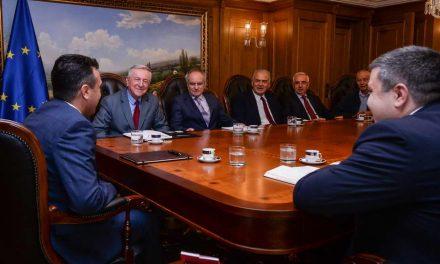 Средба на премиерот Заев со претставници на Советот на амбасадори: Поздравени се политиките на Владата и договорена е активна соработка