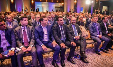 """Заев на конференцијата на """"Економист"""": Добрата вест за отпочнување на преговори со ЕУ ќе влијае позитивно на цел регион"""