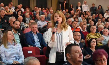 """Лукаревска на трибина во Прилеп: Парите ги враќаме кај граѓаните и фирмите, нема веќе """"пиштење – вриштење"""", има професионални институции"""