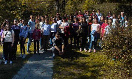 Со еднодневна екскурзија Општина Прилеп ги награди најдобрите 150 ученици од основните и средните училишта