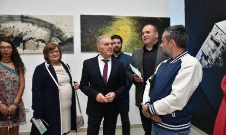 """Чествувања во чест на 11.Октомври: Отворена изложбата на слики од Меѓународната ликовна колонија """"Куманово"""""""