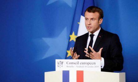 Франција од петок се враќа во карантин