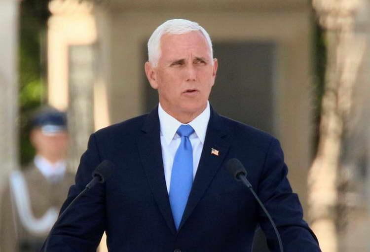Ќе се испитува и улогата на Мајк Пенс во аферата со Украина