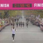 Кениецот Кипчоге влезе во историјата – тој е првиот човек кој истрча маратон за помалку од 2 часа!
