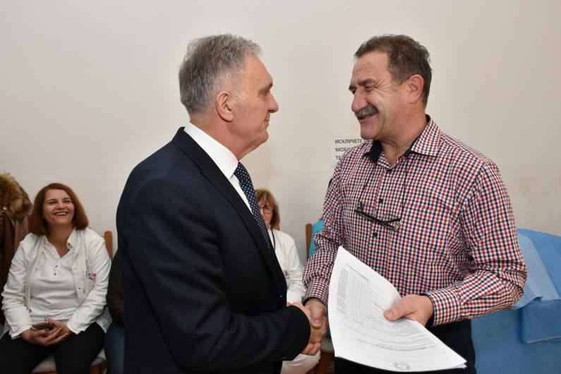 Јованоски: Се покачуваат платите на здравствените работници, се подобруваат услугите кон пациентите