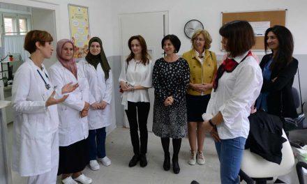 """Сопругата на претседателот Пендаровски и сопругите на амбасадорите, дел од акцијата """"Црвен аларм за женското срцево здравје"""""""