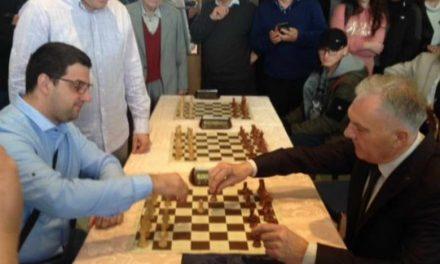 """Градоначалникот Илија Јованоски го отвори шаховскиот  турнир  """"Опен Прилеп 2019"""""""