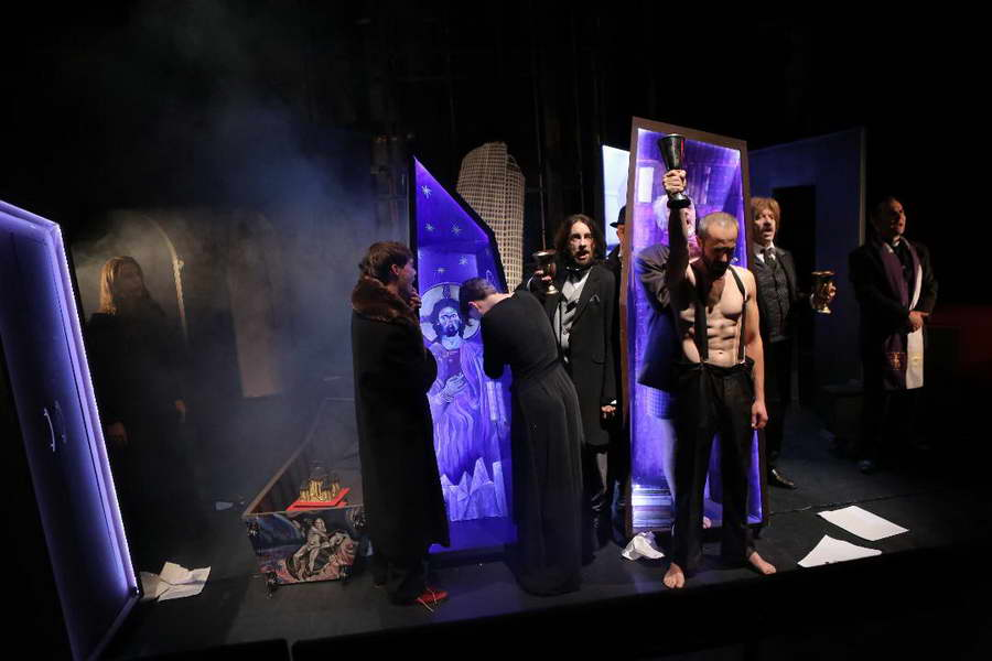 """""""Глембаеви, уште една Легенда"""", претставата на прилепскиот театар """"Војдан Чернодрински"""", гостува во Загреб"""
