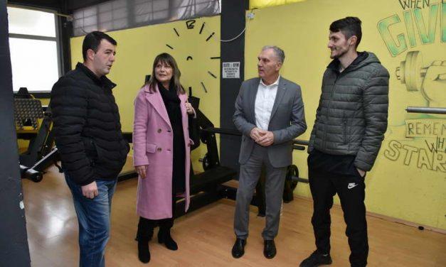 Јованоски: Владините грантови за самовработување ќе придонесат младите да останат во државата