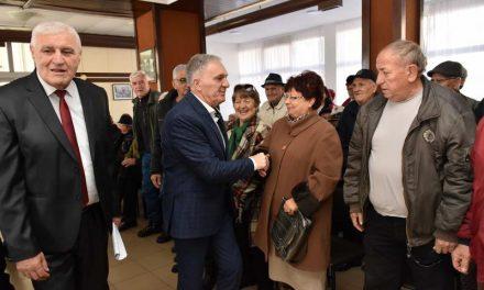Средба на градоначалникот Јованоски со пензионерите