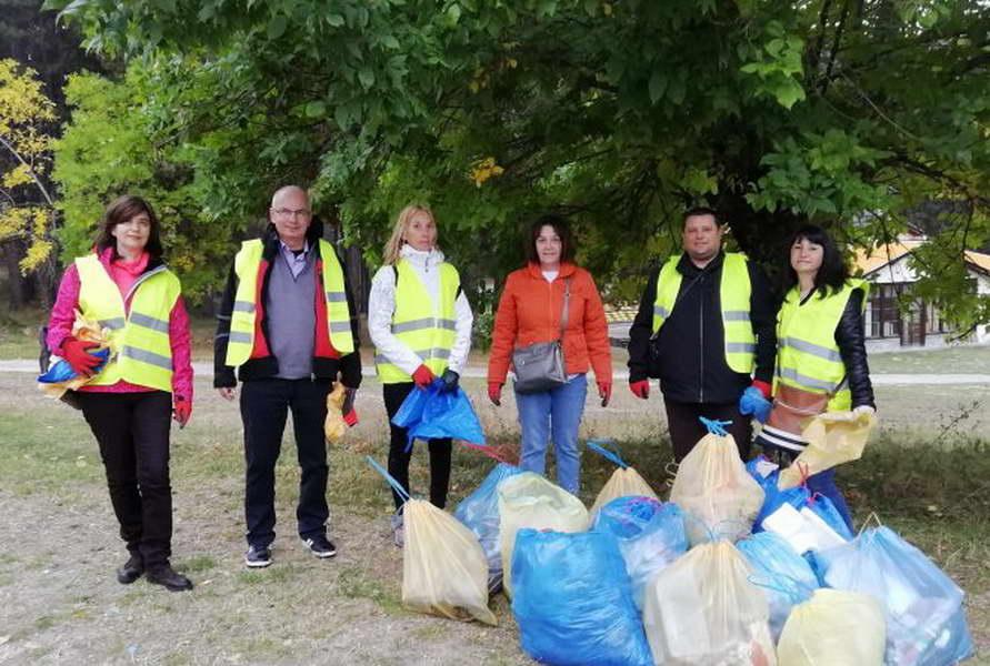 Јавната администрација од општина Крушево се приклучува на акцијата за чистење на животната средина