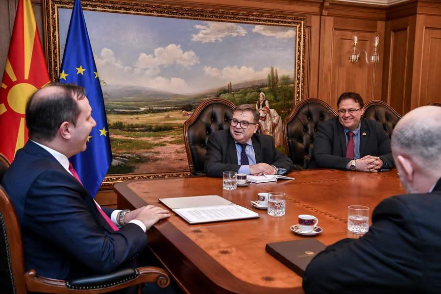 Средба на премиерот Спасовски со францускиот амбасадор Тимоние: Државата се движи во вистинската насока, преодната Влада активно ги продолжува реформите, државните интереси мора да се за сите во прв план