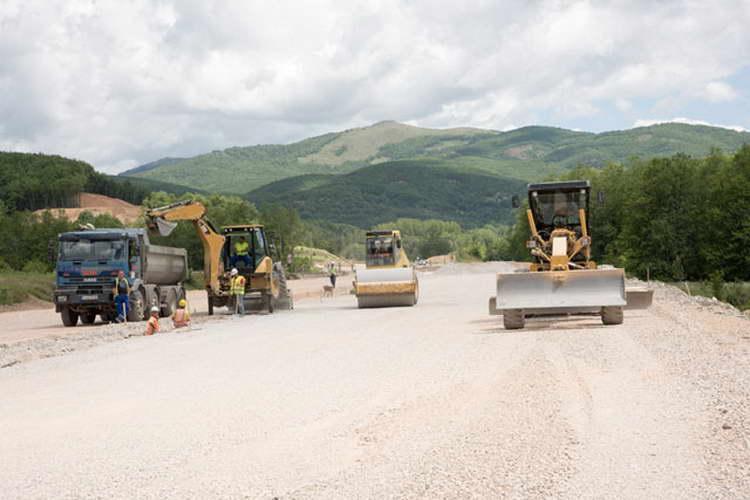 """""""Гранит"""" ќе ја гради првата фаза од автопатот Скопје – Блаце"""