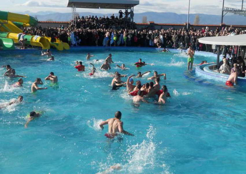 """Прилеп: За Водици, 110 момчиња и девојчиња ќе скокнат во водите на базенот кај хотелот """"Салида"""""""