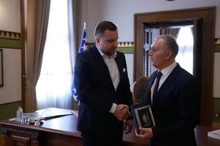 Средба на градоначалниците на Прилеп и Сараево, Илија Јованоски и Абдулах Скака