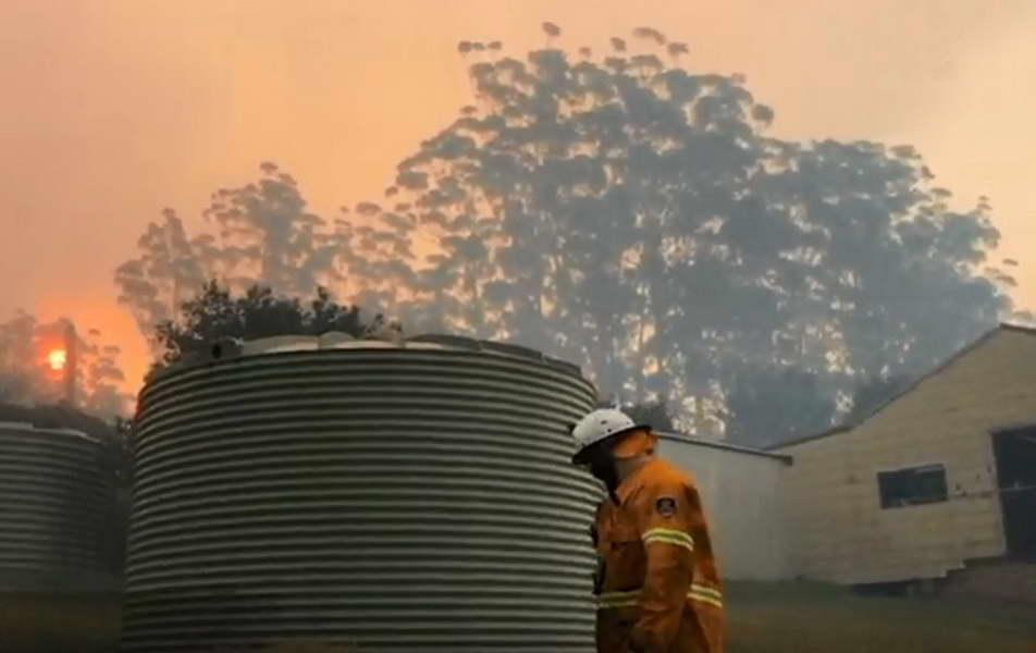 """""""Кемтрејлсите"""" се виновни за пожарите во Австралија, а медиумите се криви за таа дезинформација"""