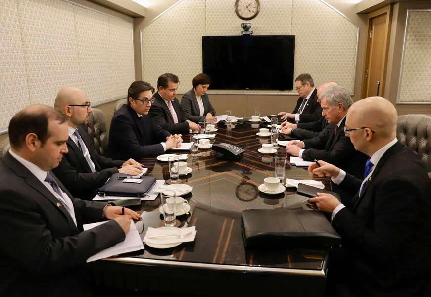 Средби на претседателот Пендаровски за време на учеството на форумот во Израел