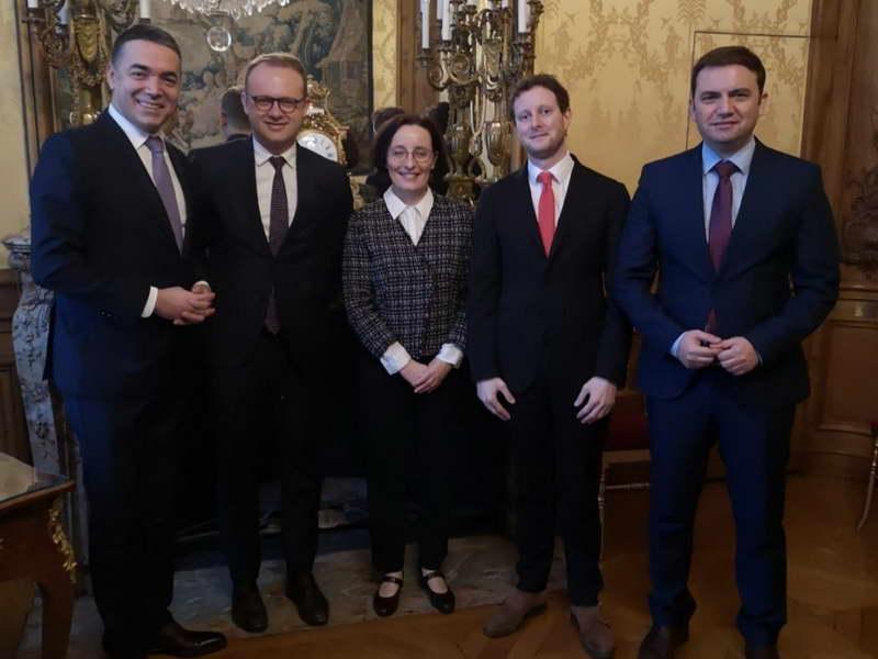 Османи и Димитров во работната посета на Париз, со цел за добивање датум за преговори