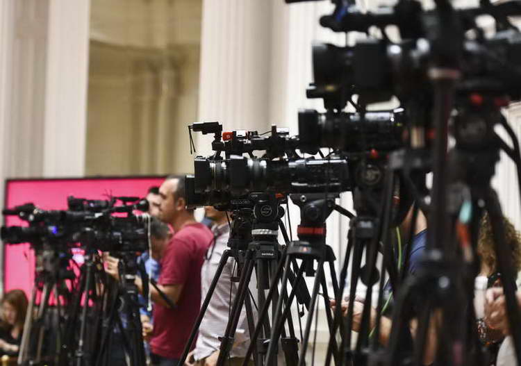 Медиумите во време на пандемија, приватност и исклучоци