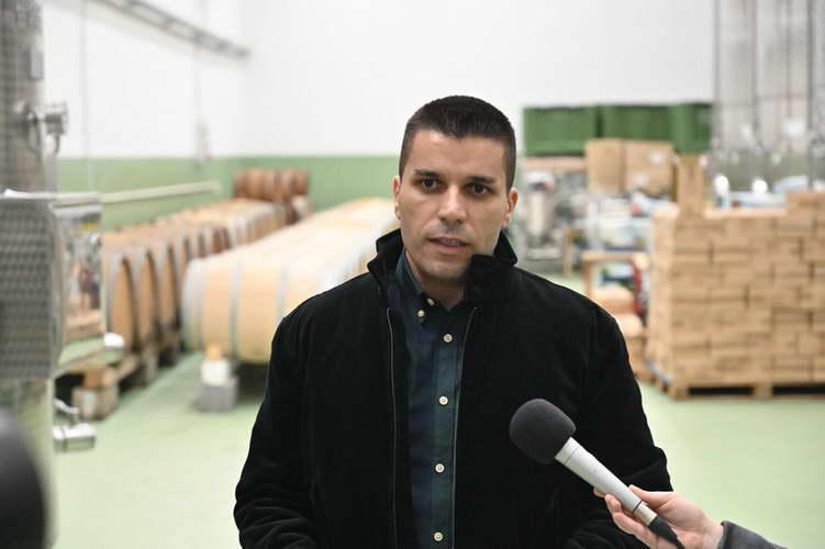 Николовски: Со дополнителната субвенција за предадено грозје, исплативме над 1 милион евра кон 6.240 лозари