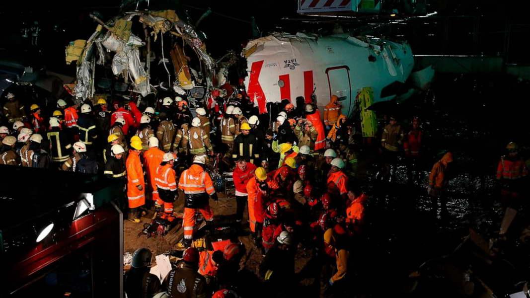 Три жртви и 179 повредени во авионска несреќа во Истанбул