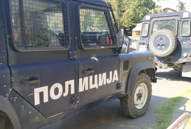 Тројца приведени, едно лице во бегство за нападот на полицаец во Велес