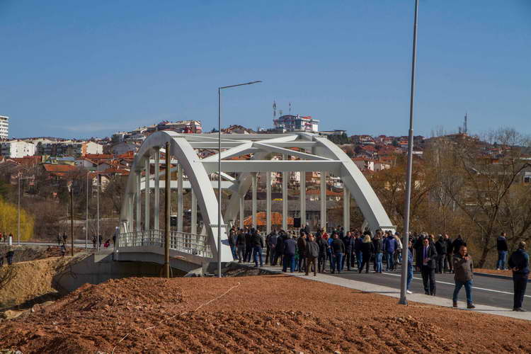 Штип по 65 години добива нов мост, приоритет во владините политики е грижата за потребите на граѓаните